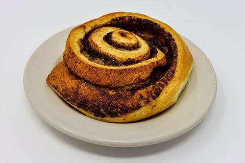 wooglins desserts cinnamon roll